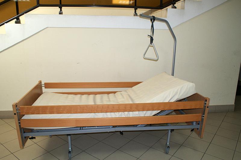 Łóżko rehabilitacyjne zwykłe